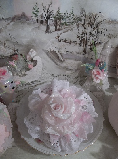 (Pink Christmas) Lace And Rose Christmas/ Valentine Decor