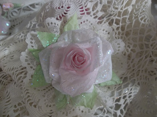 (Linda Anne)Ivory Lace Glittered Rose Christmas/ Valentine Decor
