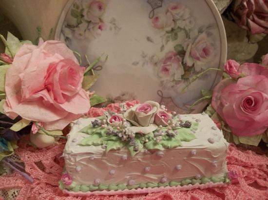 (Rhonda Rose Viola) Funky Junk Fake Cake
