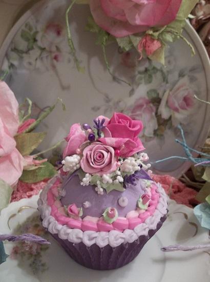 (Peggy) Fake Cupcake