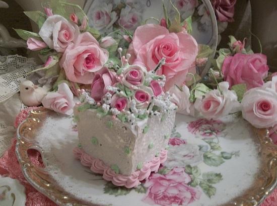 (Queenie Rose) Fake Cake Slice