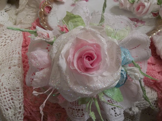 (Marylynn) Lace And Rose Christmas/ Valentine Decor