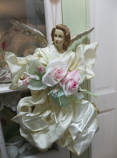 (Vintage Christmas Angel) Vintage Decorated Christmas Angel