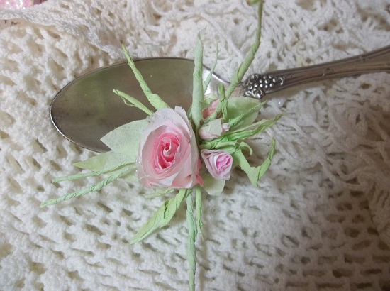 (Georgia) Mini Handmade Paper Rose Clip