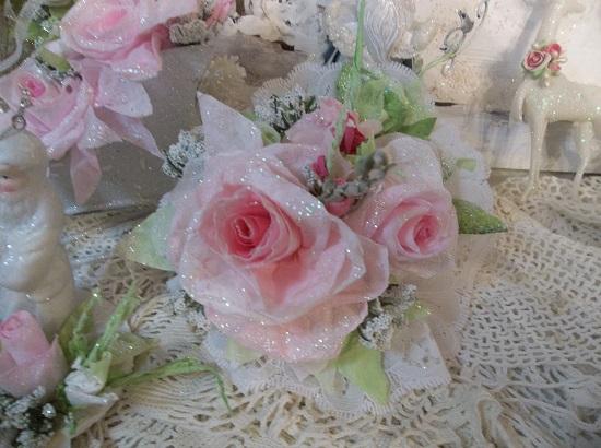 (Joyful Joyful) Lace And Rose Christmas/ Valentine Decor