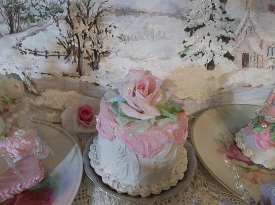 (Noella Snowella) Funky Junk Fake Christmas Cake
