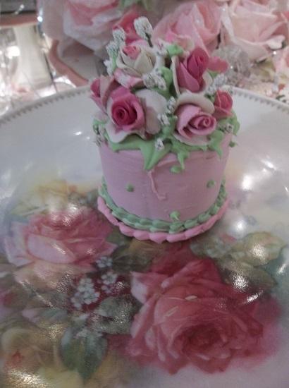 (Henrietta) Funky Junk Fake Cake