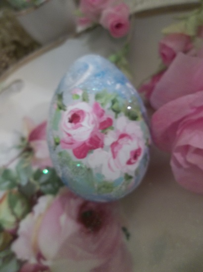 (Marina) Handpainted Fake Egg