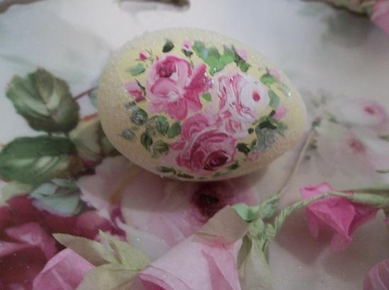 (Sunnie) Handpainted Fake Egg