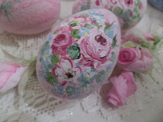 (Gabby) Handpainted Fake Egg