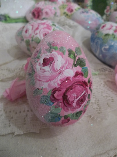 (The Queen) Handpainted Fake Egg