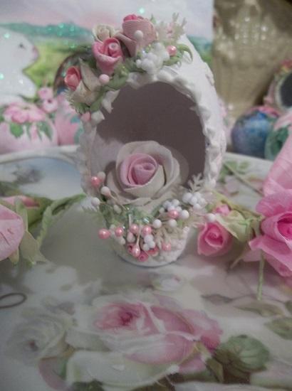 (Elizabeth Rose) Decorated Panoramic Easter Egg