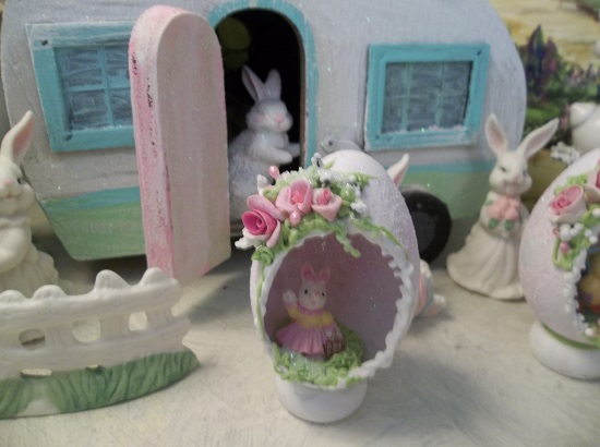 (Bunny Boo) Decorated Panoramic Easter Egg