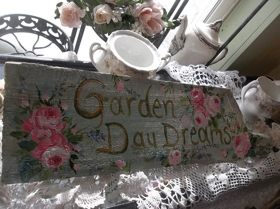 (Garden Daydreams) Handpainted Sign