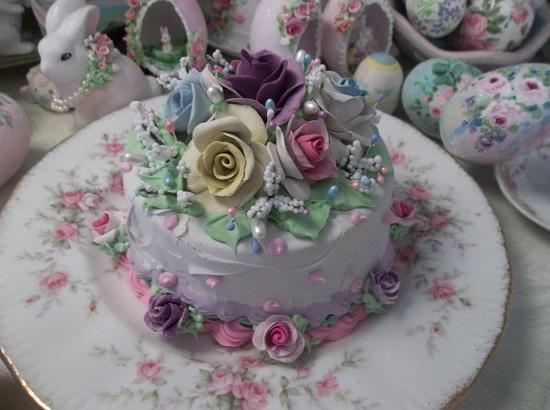 (Impressions Of Versailles) Funky Junk Fake Cake