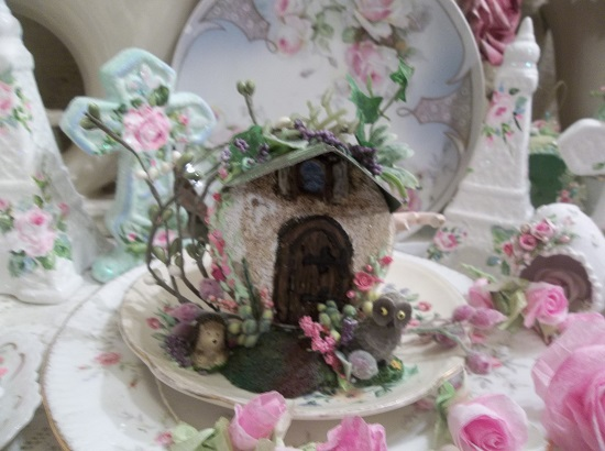 (Teacup House) Decorated Teacup House