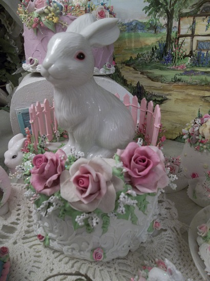 (Silly Bunny) Funky Junk Fake Cake