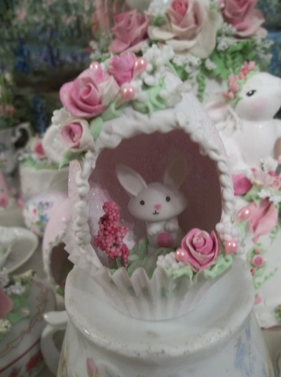 (Bunny) Decorated Panoramic Easter Egg