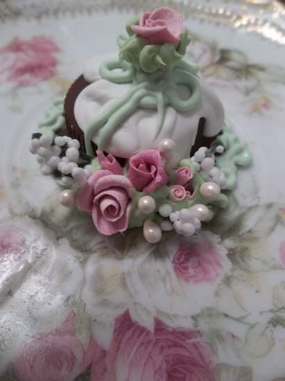 (Beth Anne) Mini Marvel Small Cake