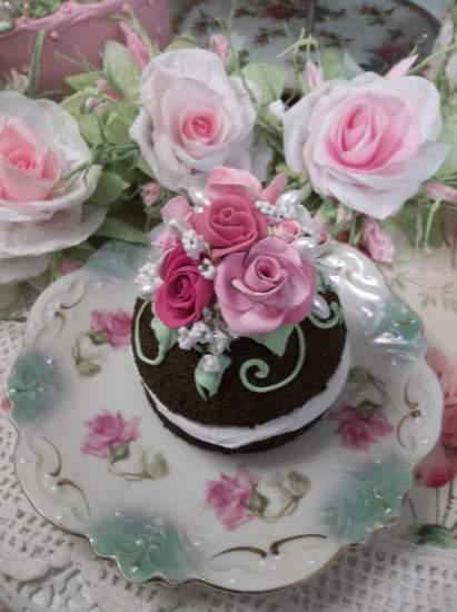 (Summer Roses) Fake Chocolate Whoopie Pie