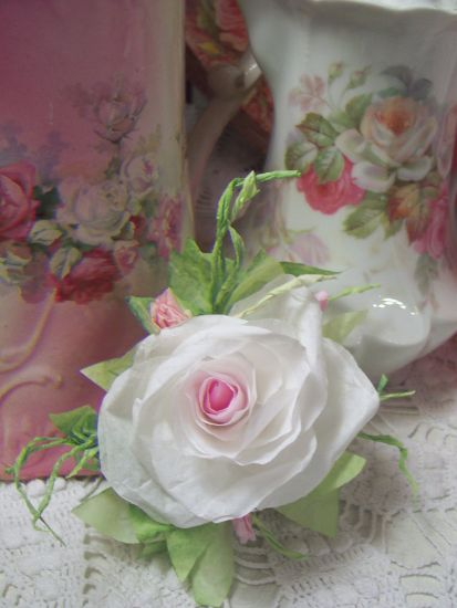 (Mindie rc) Victorian Paper Rose Clip Lamp Decor Chic n Shabby