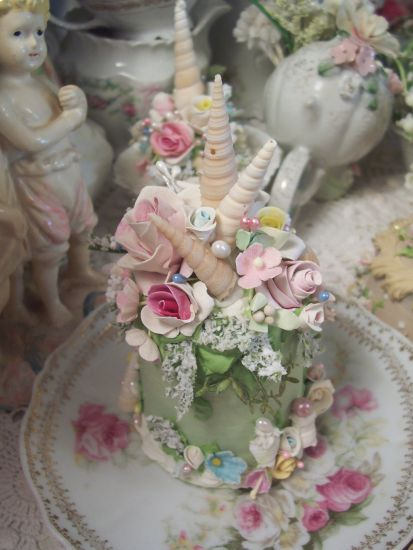 (Meshell Cake Castle) FUNKY JUNK ROSE DECORATED FAKE CAKE CHARMING!!