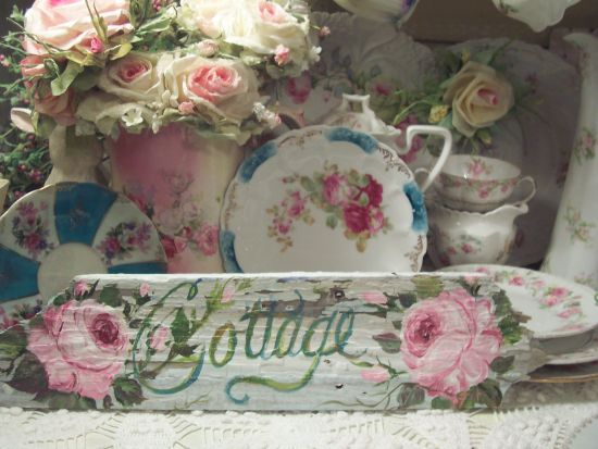 (cottage 101)   HANDPAINTED ROSES SIGN SHABBY COTTAGE STYLE