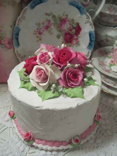 (Rose Petal Tea Cake) SHABBY COTTAGEPINK ROSE DECORATED FAKE CAKE CHARMING!!
