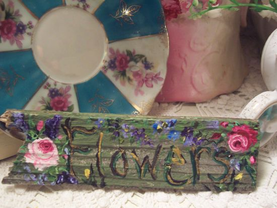 (small sign) HANDPAINTED FLOWERS SIGN