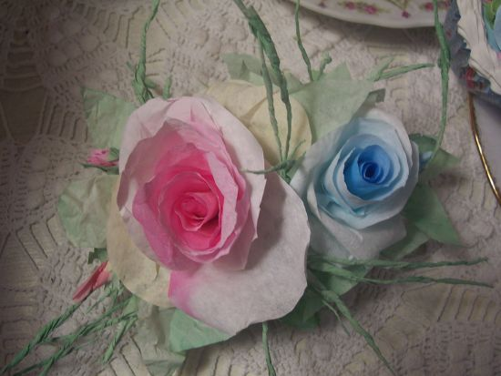 (A1A)  Victorian Paper Rose Clip Lamp Decor Chic n Shabby