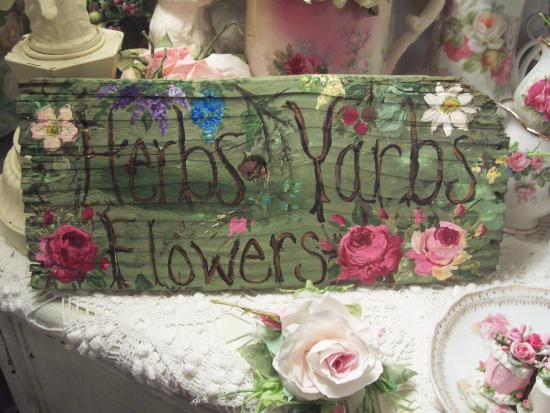 (yarbs)  HANDPAINTED ROSES SIGN