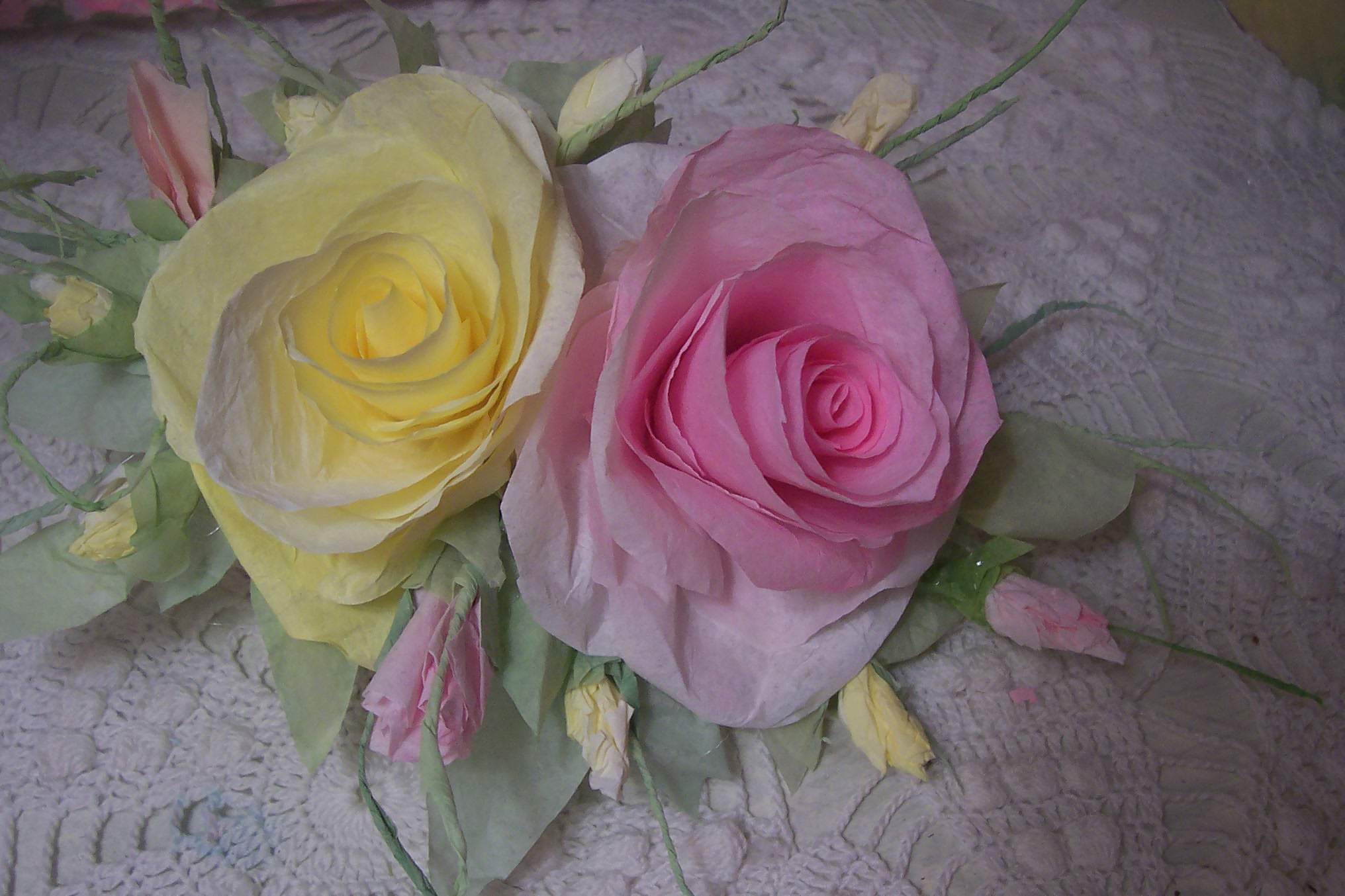 (PREIGHT)  Victorian Paper Rose Clip Lamp Decor Chic n Shabby