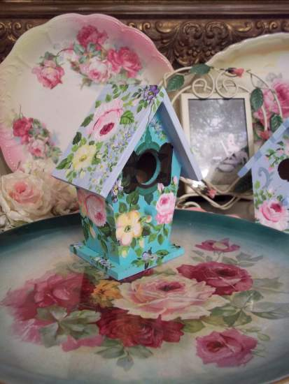 (Spring Bouquet Cottage) Handpainted Bird House