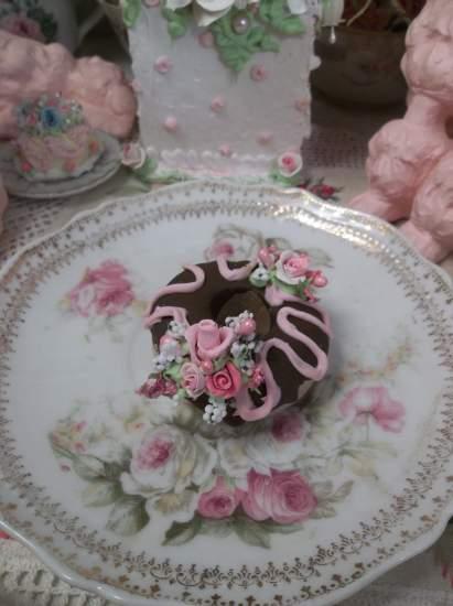 (Jean) Mini Marvel/Fake Donut