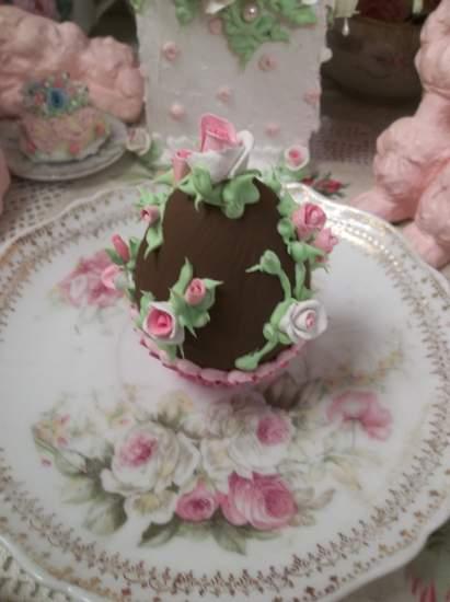 (Airianna) Fake Chocolate Egg