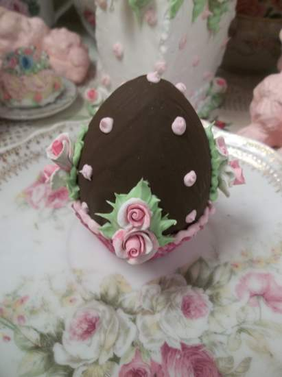 (Fannie) Fake Chocolate Egg