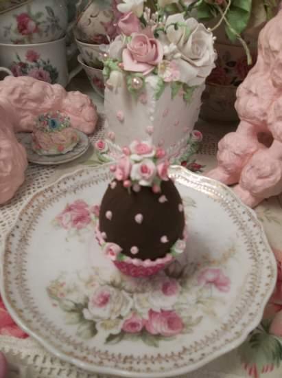 (Hailey) Fake Chocolate Egg