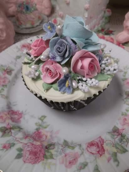 (Sharla) Fake Cupcake