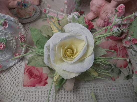 (Sunbeam) Handmade Paper Rose Clip