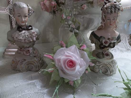 (Venus) Handmade Paper Rose Clip