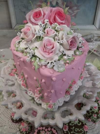 (Pretty Pattie Love) Funky Junk Fake Cake