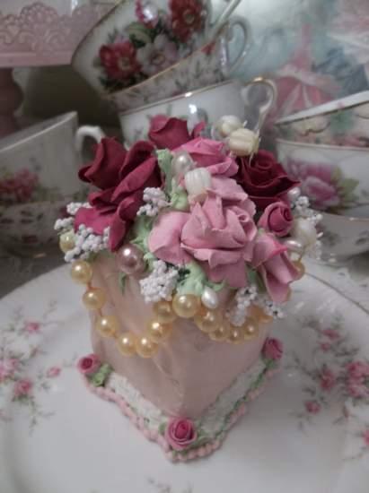 (Vintage Pearlie Belle) Fake Cake Slice
