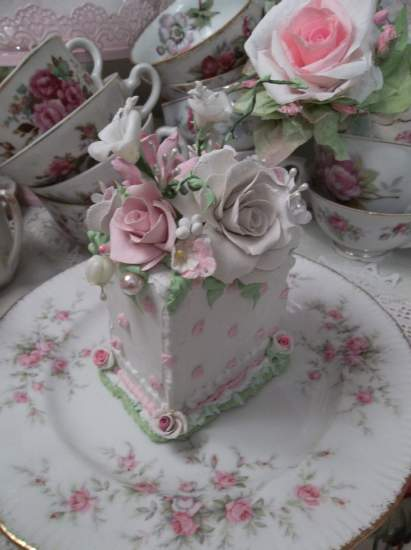 (Queen Lillie Bella Rosa) Fake Cake Slice