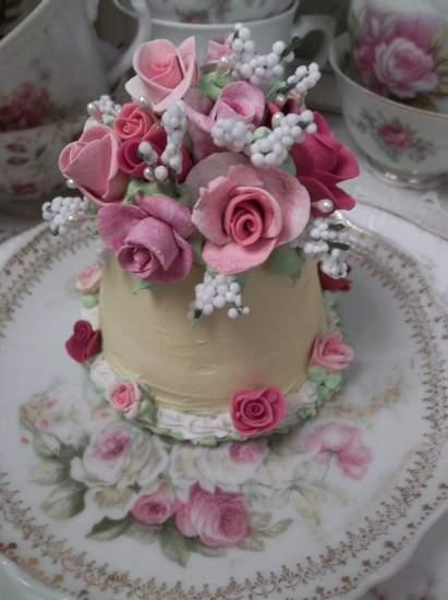 (Lynda Laine) Funky Junk Fake Cake