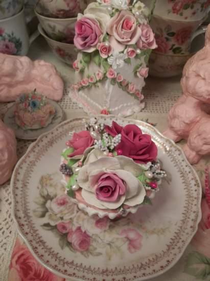 (Truest Happiness) Fake Cupcake
