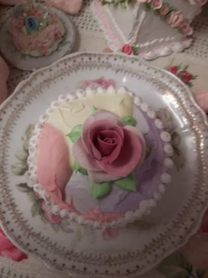 (Peace) Fake Cupcake