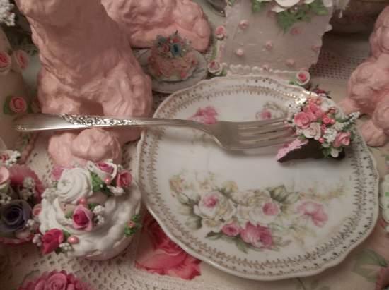 (Fleurs) Vintage Fork, Bite Of Fake Cake