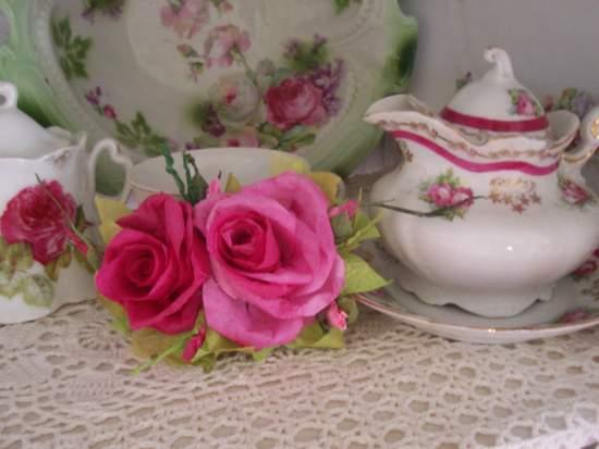 (Veronica Rose) Handmade Paper Rose Clip