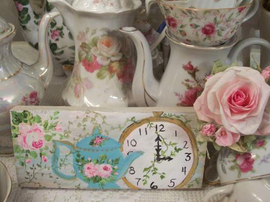 (Ivy Tea Time) Handpainted Sign