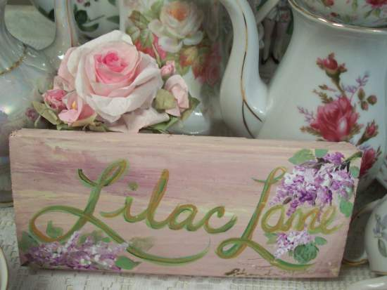 (Lilac Lane On Maune) Handpainted Sign